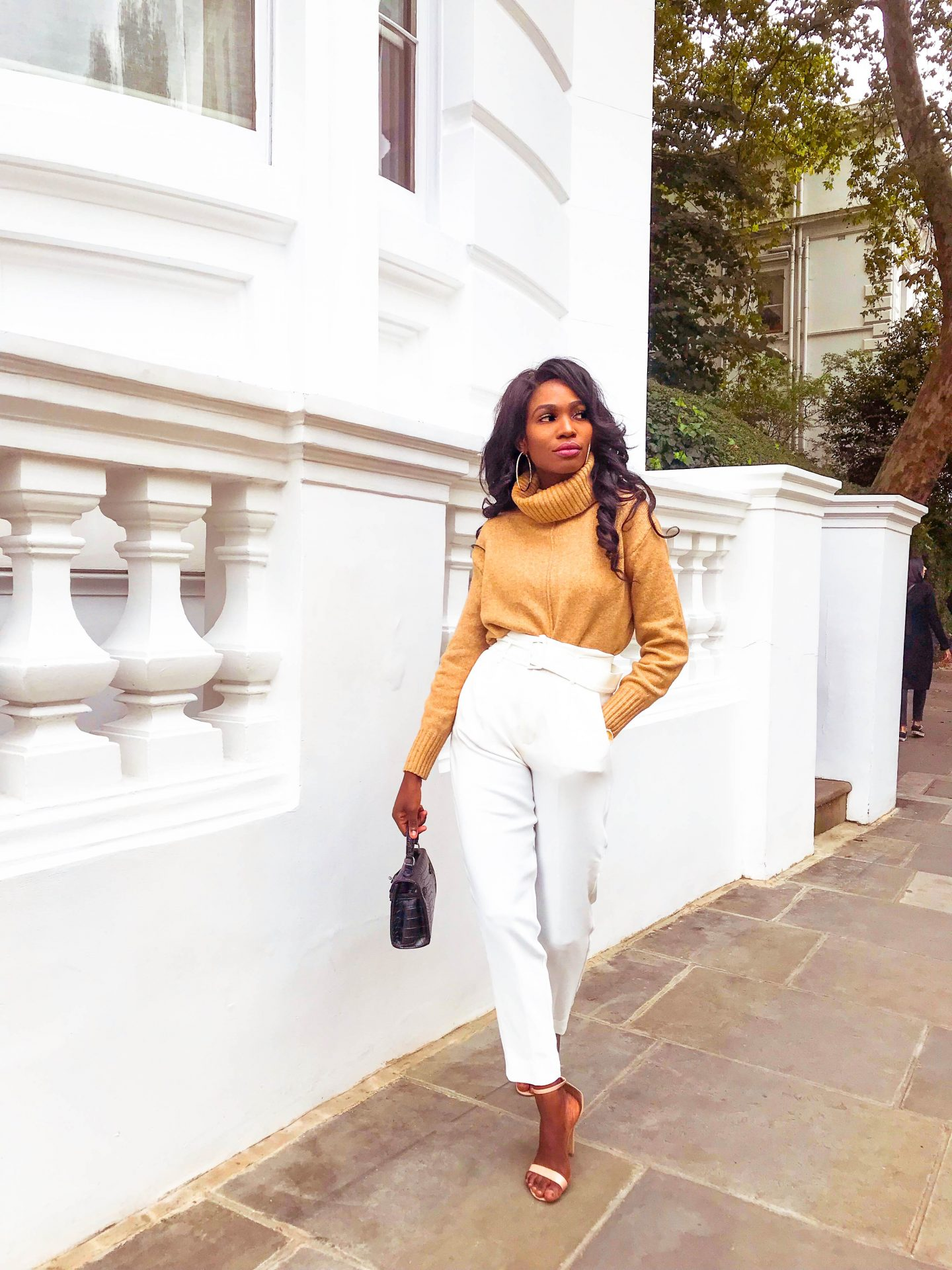 WHITE TROUSERS AND A COSY KNIT